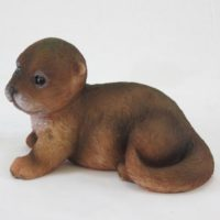 #11271 (2) Otter Baby liegend links