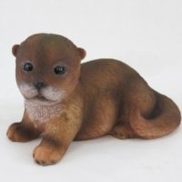 Otter Baby liegend links